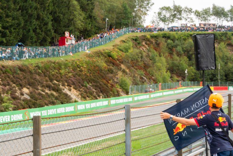 Een jonge Red Bull-fan