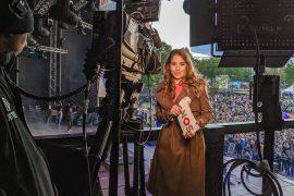 Achter de schermen Amber Brantsen vanaf het bevrijdingsfestival in Zwolle in Park De Wezenlanden